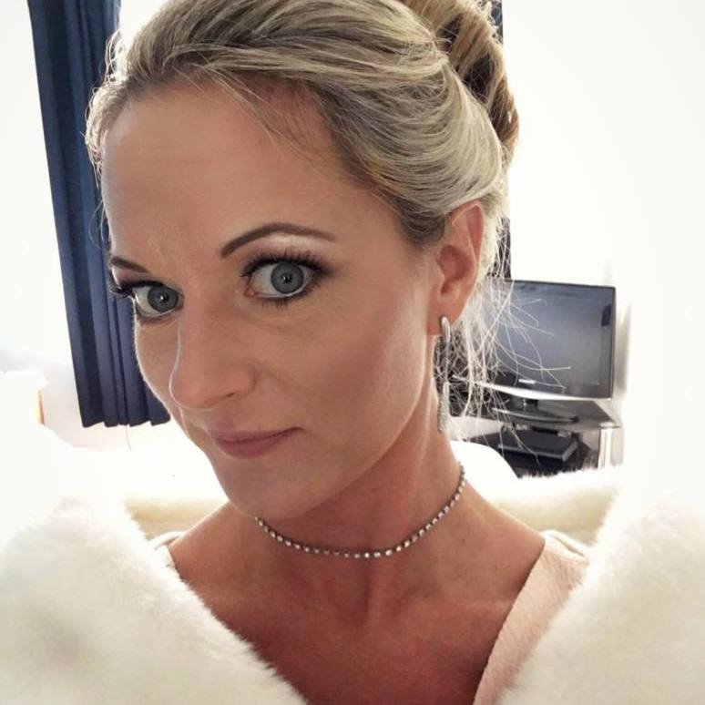 Makeup artist in Farnborough for bridal wedding special occassions