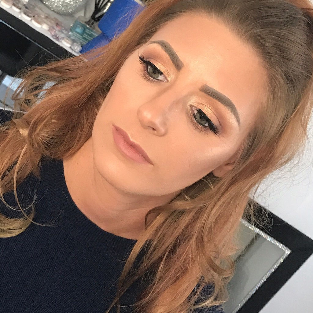 Makeup Artist Berkshire, Surrey, Hampshire, Fleet, Camberley, Farnborough, Crowthorne, Bracknell, Sandhurst, Blackwater, Aldershot, Frimley, Ascot, Windsor, Wokingham, Reading, Yateley, Hampshire, Bridal, Wedding Makeup