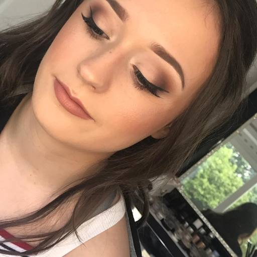 Makeup Artist in Hook, Farnham, Basingstoke, Aldershot, Alton, Wentworth, Wokingham, Bracknell, Windsor, Ascot, Bridal Makeup Artist, Berkshire, Surrey, Hampshire