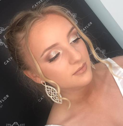 Wedding Bridal Makeup Artist, Hampshire, Surrey, Berkshire, Hook, Wentworth, Farnham, Farnham, Guildford, Woking, Wokingham, Bracknell, Frimley, Camberley, Glam Makeup artist