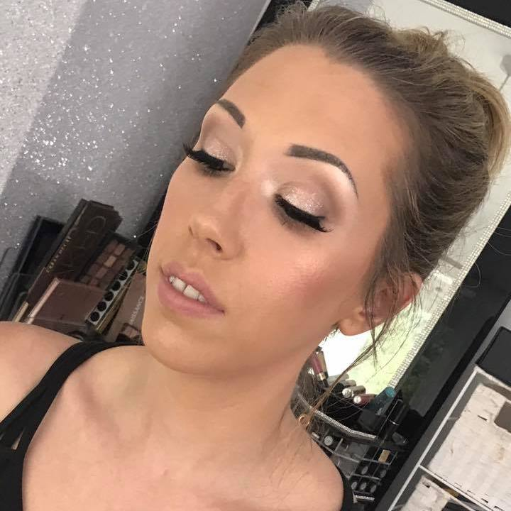 Makeup Lessons Hampshire, Berkshire, Surrey, Bridal Makeup lessons, Makeup Artist Courses