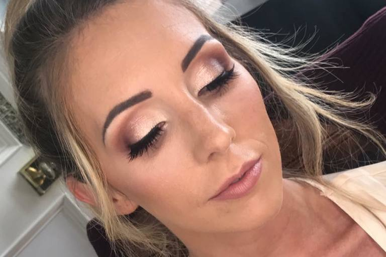 Bridal Makeup and Hair Artist, Windsor, Hampshire, Surrey, Berkshire, Hook, Near Camberley, Yateley, Aldershot, Farnborough, Ascot, Reading, Fleet, Hartley Whitney, Sandhurst, Crowthorne, Sunningdale, London