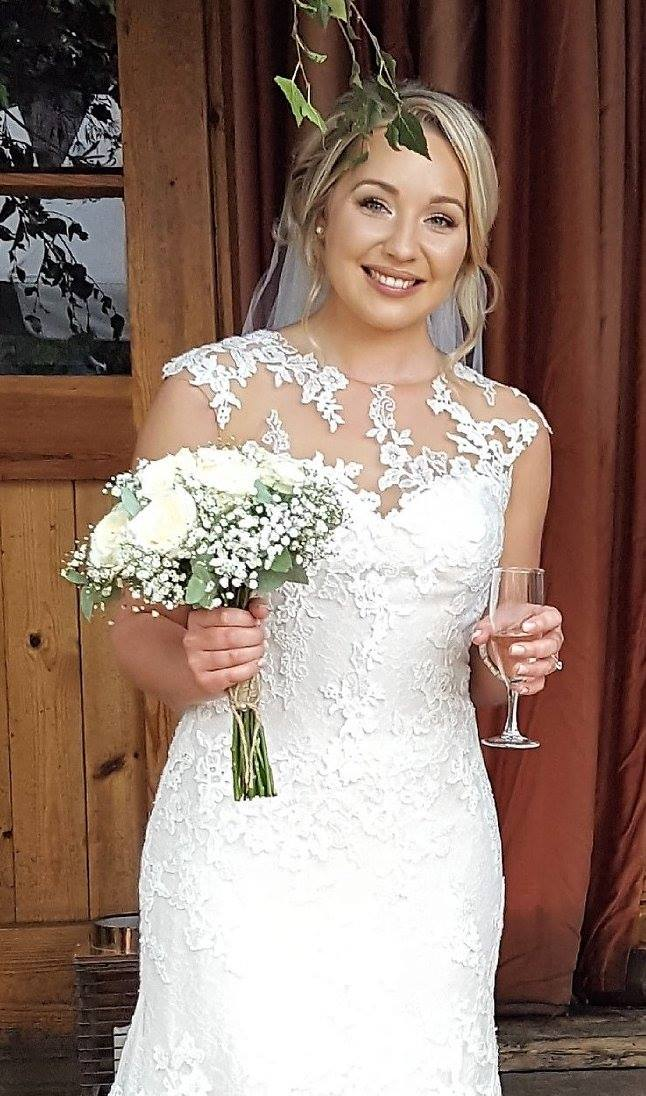 Bridal/Wedding Makeup Artist - Camberley, Hook, Crowthorne, Wokingham, Fleet, Farnborough, in Surrey and Berkshire Special occasions, Prom, Bridal, Wedding Makeup Artist, Chertsey, Hook,  Fleet, Ascot, Eversley, Guildford,  Farnham, Yateley, Aldershot, Farnborough, Makeup Artist,Bridal