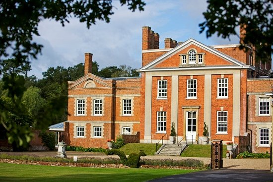 Bridal Makeup Artist at Warbrook House in Hook, Hampshire