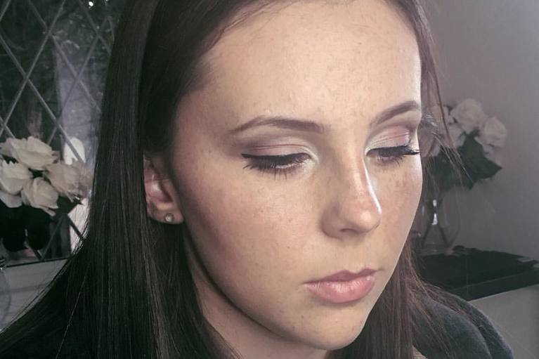 Wedding/Bridal Makeup Artist in Hampshire, Camberley - Bridal, Proms, Wedding, Special occasions, Makeup lessons Berkshire and Surrey Makeup Artist