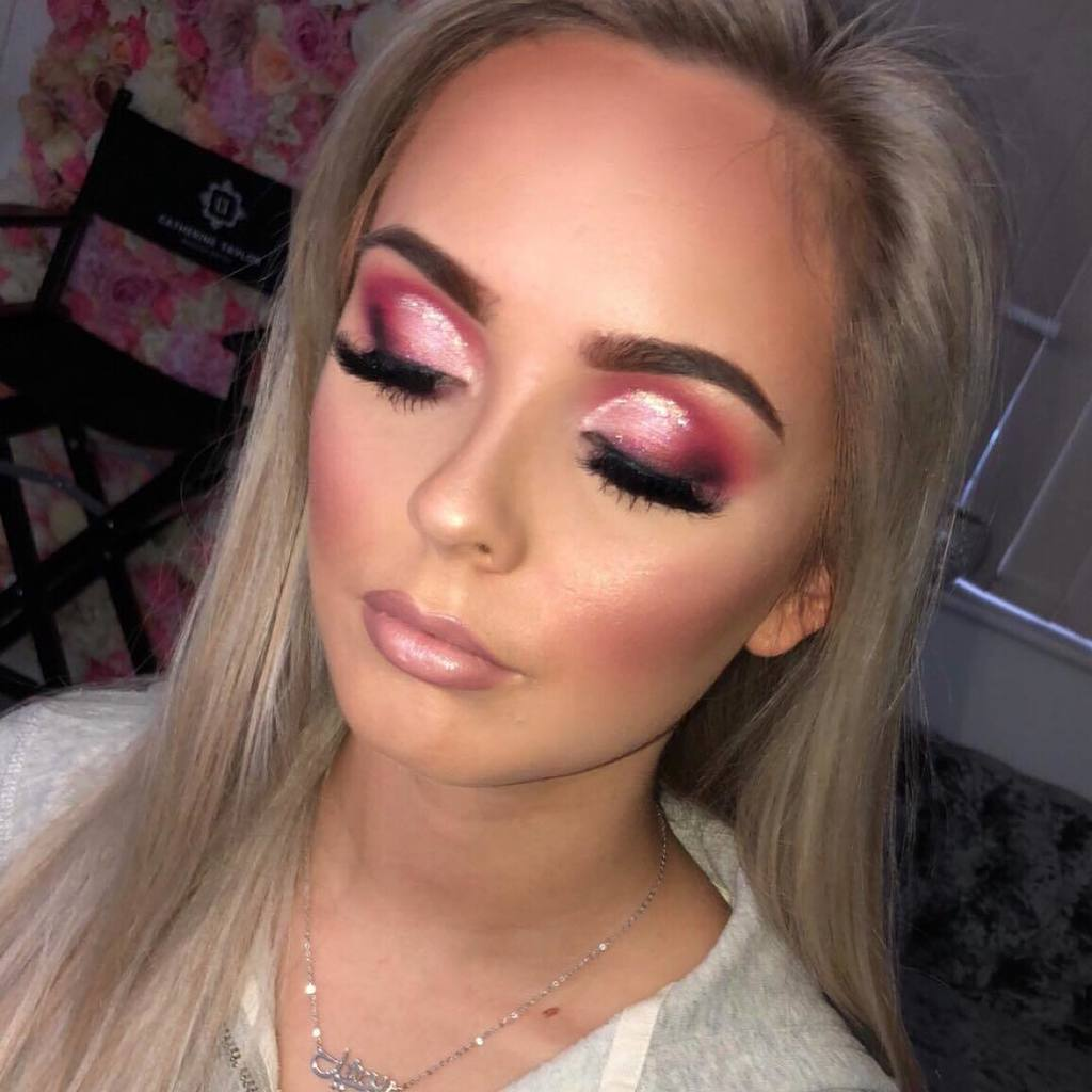 Bridal Makeup, Bridal hair and makeup, Bridal makeup artist, makeup artist, makeup lessons, makeup courses in Berkshire, Surrey, Hampshire, Farnham, Alton, Chertsey, Sandhurst, Yateley, Bracknell, Ascot, Windsor, Sunningdale, Fleet, Guildford, Frimley, Reading, Aldershot, Camberley, Farnborough